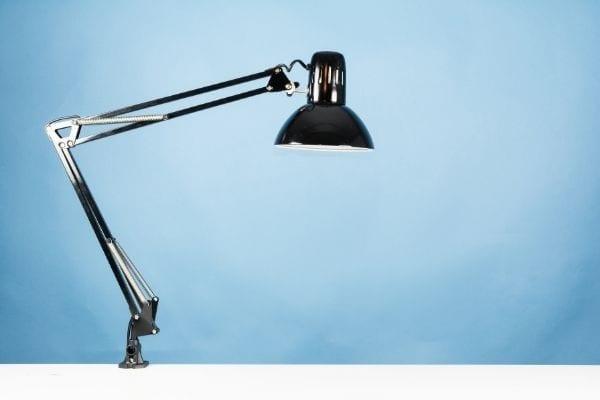 Boom arm lamp